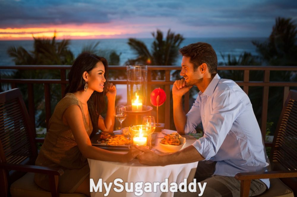 potential-sugar baby on date with an experienced sugar daddy